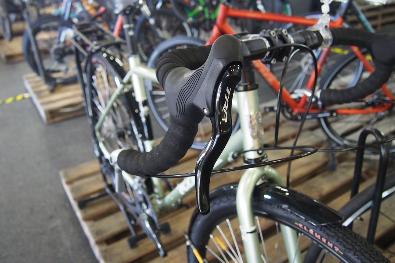 自転車の kona 自転車 中古 : レースのようなラピッドな変速 ...