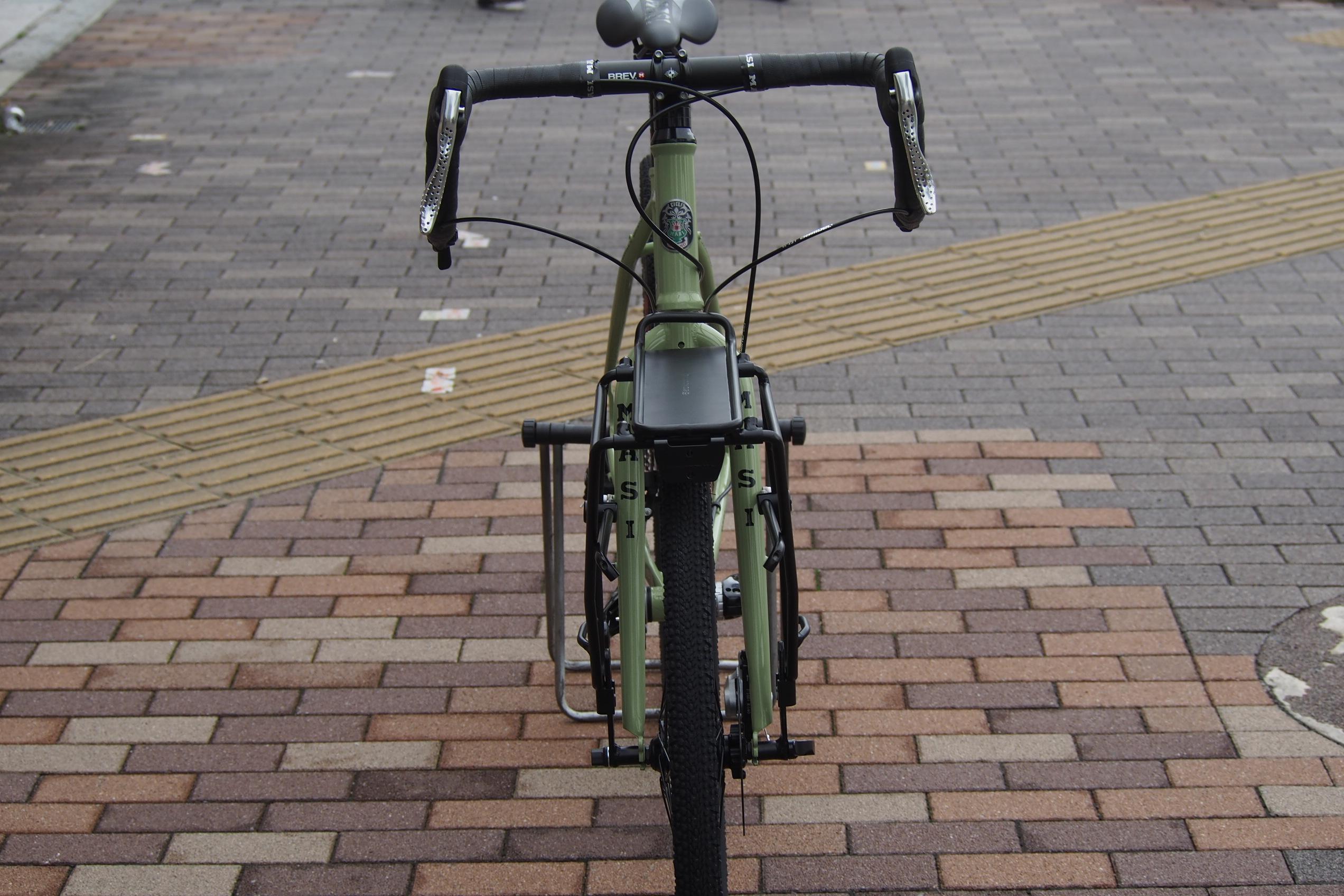 自転車ツーリングにオススメ!前後 両方に取り付け可能なキャリア、blackburn【ブラックバーン】 Local