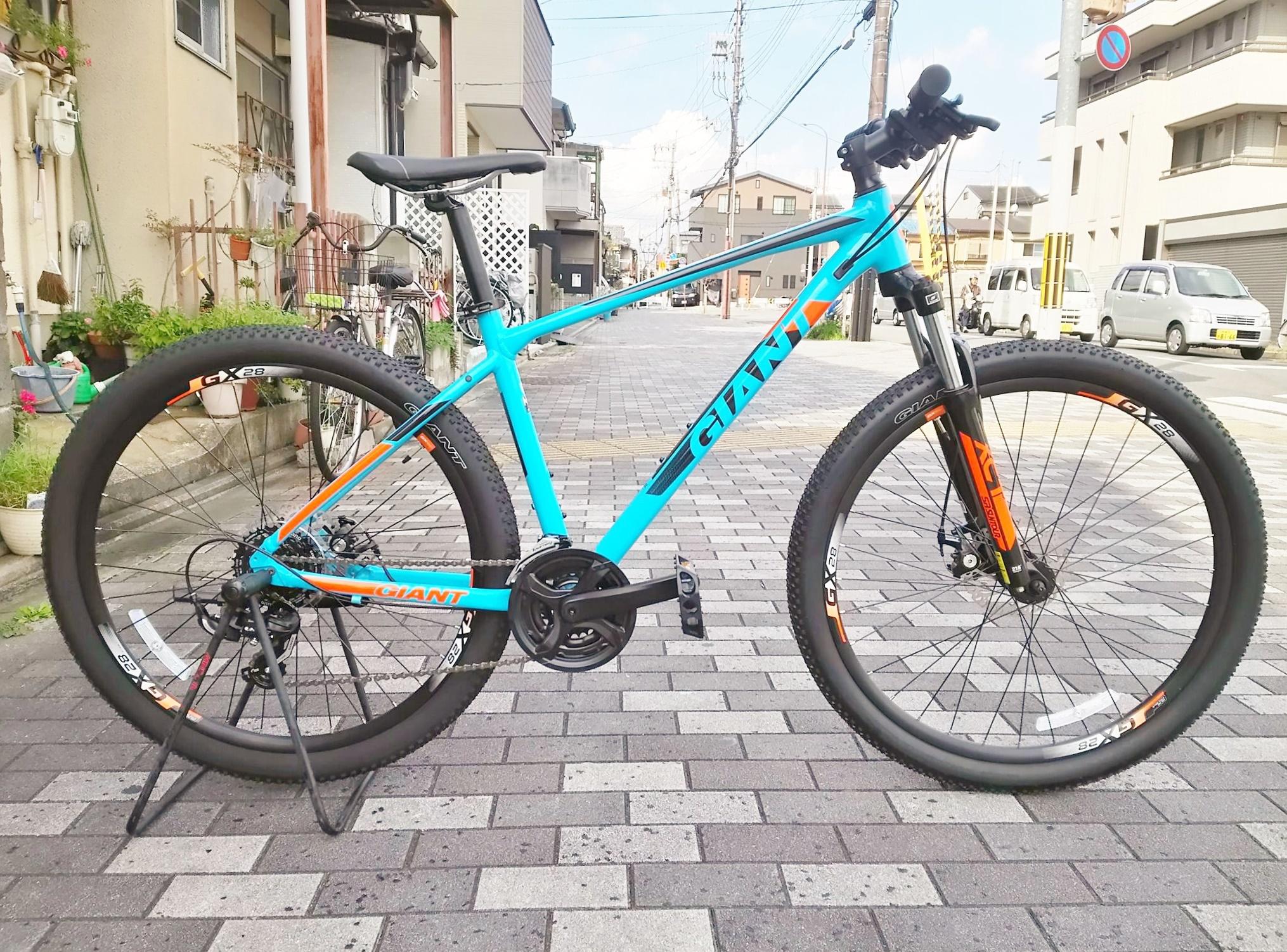 舗装路からダートまで幅広く乗れるマウンテンバイク2019年モデルGIANT(ジャイアント)ATXのご紹介!GIANT(ジャイアント)ATX(エーティーエックス)2019年モデルメーカー販売価格:¥54,000(税抜)エイリン販売価格:¥48,600(税抜)